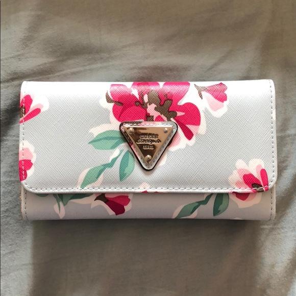 2de7dda1d65b Guess Bags | Wallet Floral | Poshmark
